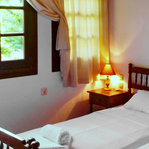 To Kalivi is a traditionally built guest house